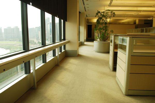 精美裝潢漂亮隔間 0925105580台北市內湖區辦公室出租-照片4