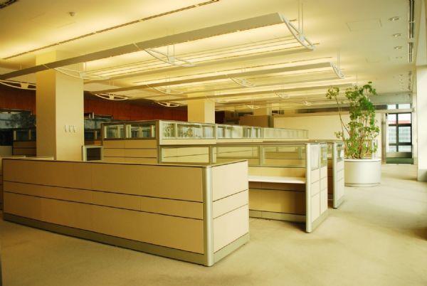 精美裝潢漂亮隔間 0925105580台北市內湖區辦公室出租-照片5