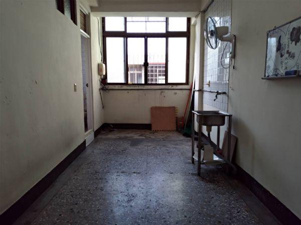 英才2房公寓6800元台中市北區公寓出租-照片8