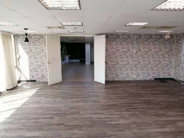 崇德家樂福77.7坪辦公大樓 3.5萬元台中市北區辦公室出租-照片2
