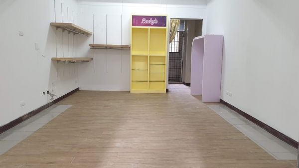 松竹商圈4房+車位 店面 3.2萬台中市北屯區店面出租-照片2