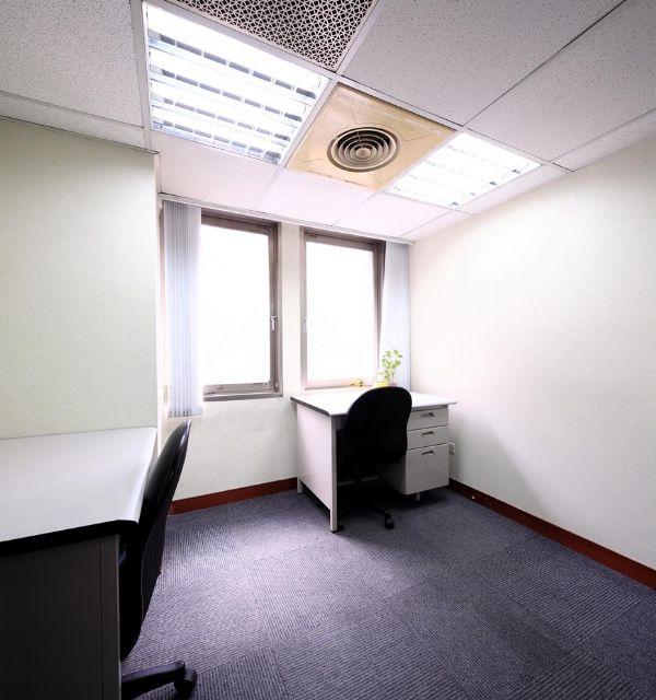 ★ 捷運出口1分鐘 ★ 經濟辦公室9千台北市大安區辦公室出租-照片2