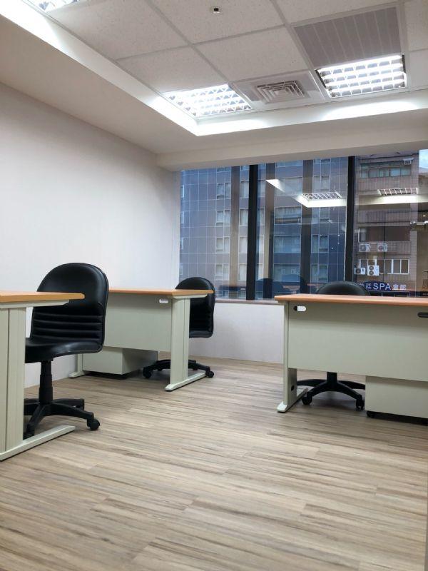 ★ 捷運出口1分鐘 ★ 經濟辦公室9千台北市大安區辦公室出租-照片6