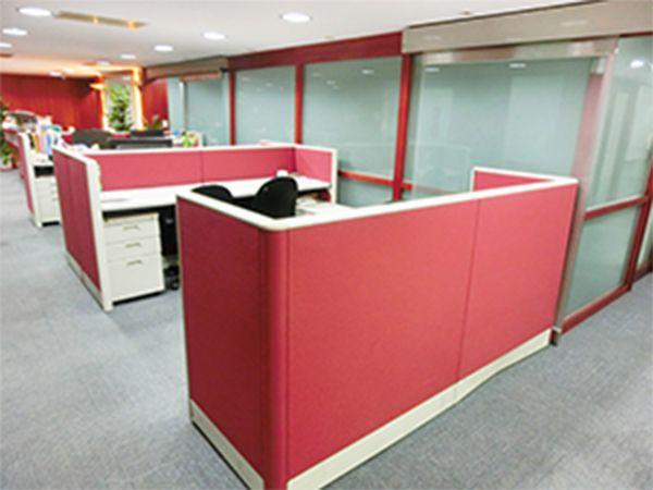 微型個人工作桌(座位)出租,包水電、網路台北市大安區辦公室出租-照片2