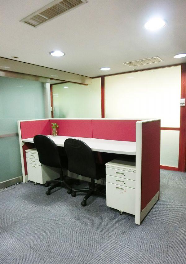 微型個人工作桌(座位)出租,包水電、網路台北市大安區辦公室出租-照片3