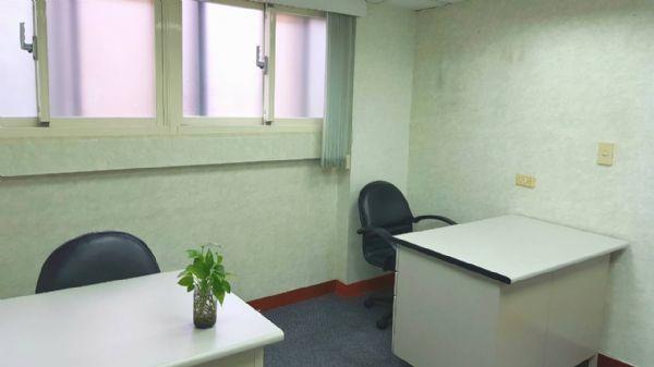 夯精選黃金地段小型辦公室、交通便捷台北市大安區辦公室出租-照片2