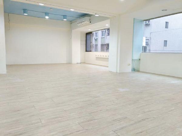 士東市場電梯二樓辦公室-台北市士林區德行東路-台北市士林區辦公室出租-照片1