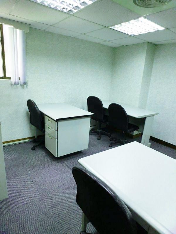 初創業~小型辦公室~免費使用會議室!歡迎台北市大安區辦公室出租-照片2